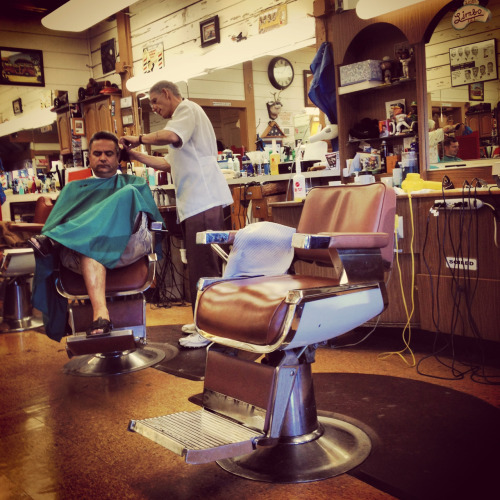 jonnyfreshox:  Barbershop