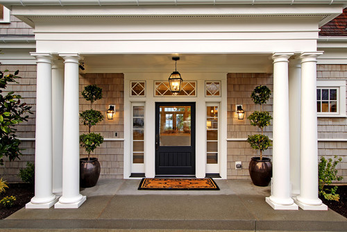 Traditional entry in Seattle. Paul Moon Design.