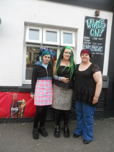 zombie-grrrl:  Me, Nykie and Sharon x