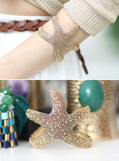 loveforfashion:  How amazing is this bracelet?