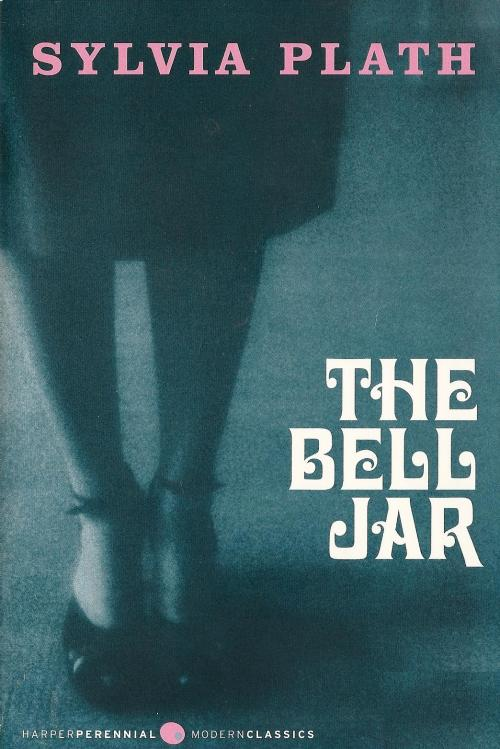 I finished reading The Bell Jar a few weeks ago and it was… wonderful! I thought I would like it because tumblr was full of quotes from the book that I liked and I knew a lot about Sylvia and her life story, but I really didn't expect that I would be able to relate to it this much… Really. Really.   …Really. While mesmerized I made the mistake of watching Sylvia. The terrible biopic with Gwyneth Paltrow. And Daniel Craig as Ted Hughes. I should have known better. My fault.