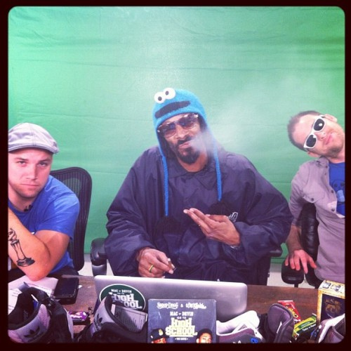 snoopdogg:  its snooptube time #maker (Taken with Instagram)