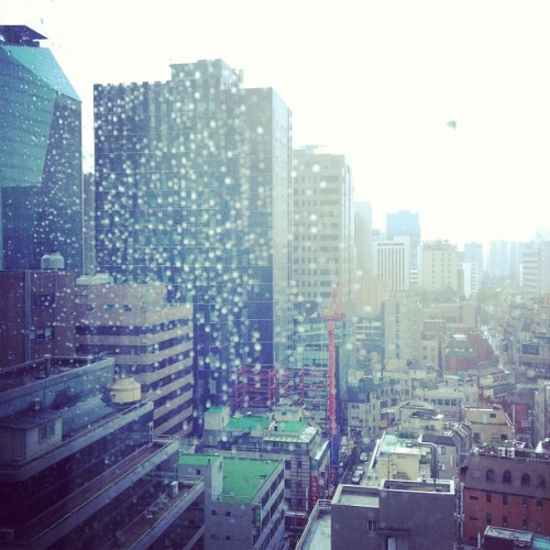 It's raining in #Gangnam #Seoul #korea #rain  (Taken with Instagram)