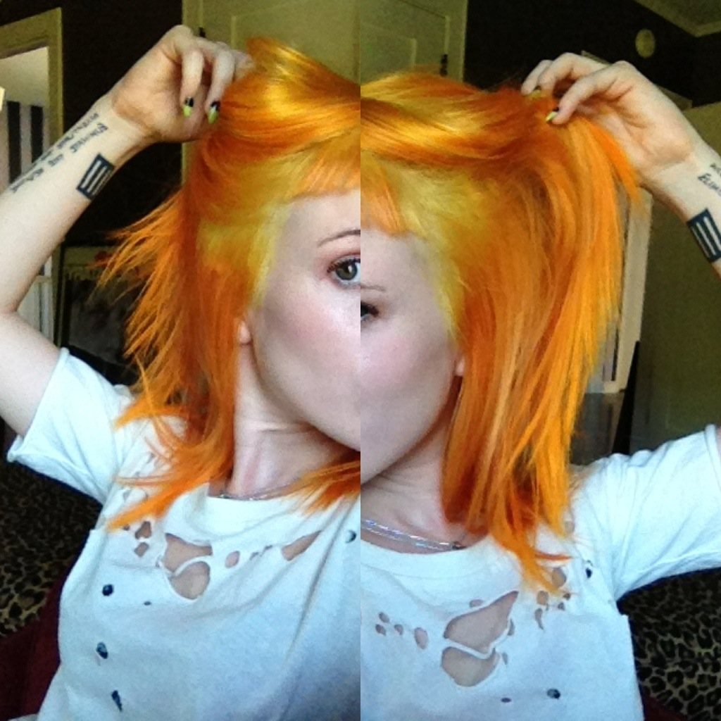 yelyahwilliams:  No, my hair isn't blonde…… But it IS this color.