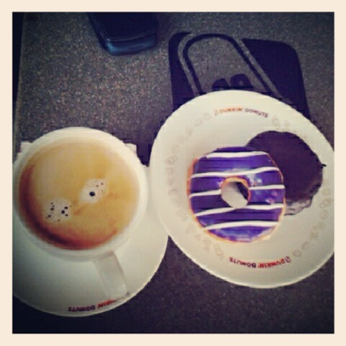#breakfast #coffee #dunkin #donuts #morning #filter #instafood #blueberry #chocolate #igers #pictoftheday (Taken with Instagram at Dunkin Donuts)
