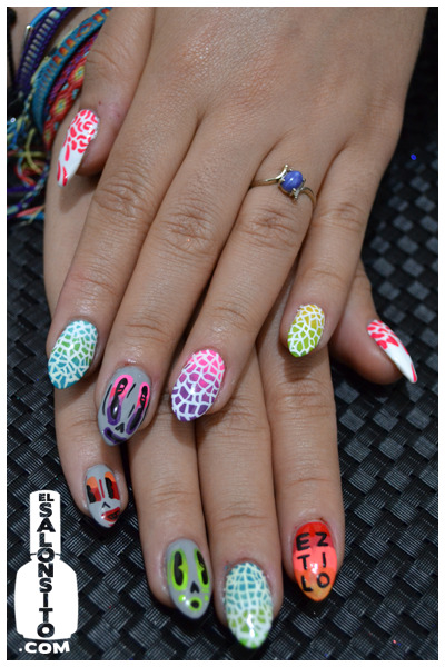 elsalonsito:  Did nails for Candy J of http://eztilomag.com/ for her official launch party.
