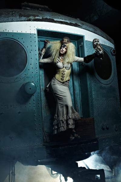 America's Next Top Model actually did a photoshoot with Clockwork Couture. Delicious, delicious photos.   Actually, I'm not a huge fan of them/the models, but whatevs. The clothes are interesting.   Clothes (c) Clockwork Couture.