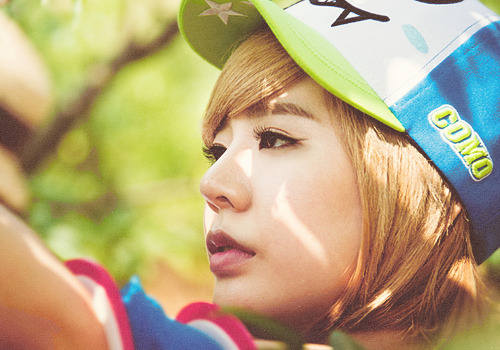37/50 photos of Lee Soonkyu
