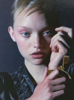 dinnerwithannawintour:  Gemma Ward by Nick Knight for i-D