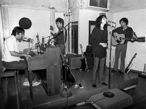 lykovs:  john cale, lou reed, patti smith & david byrne, nyc, 1976, ph bob gruen