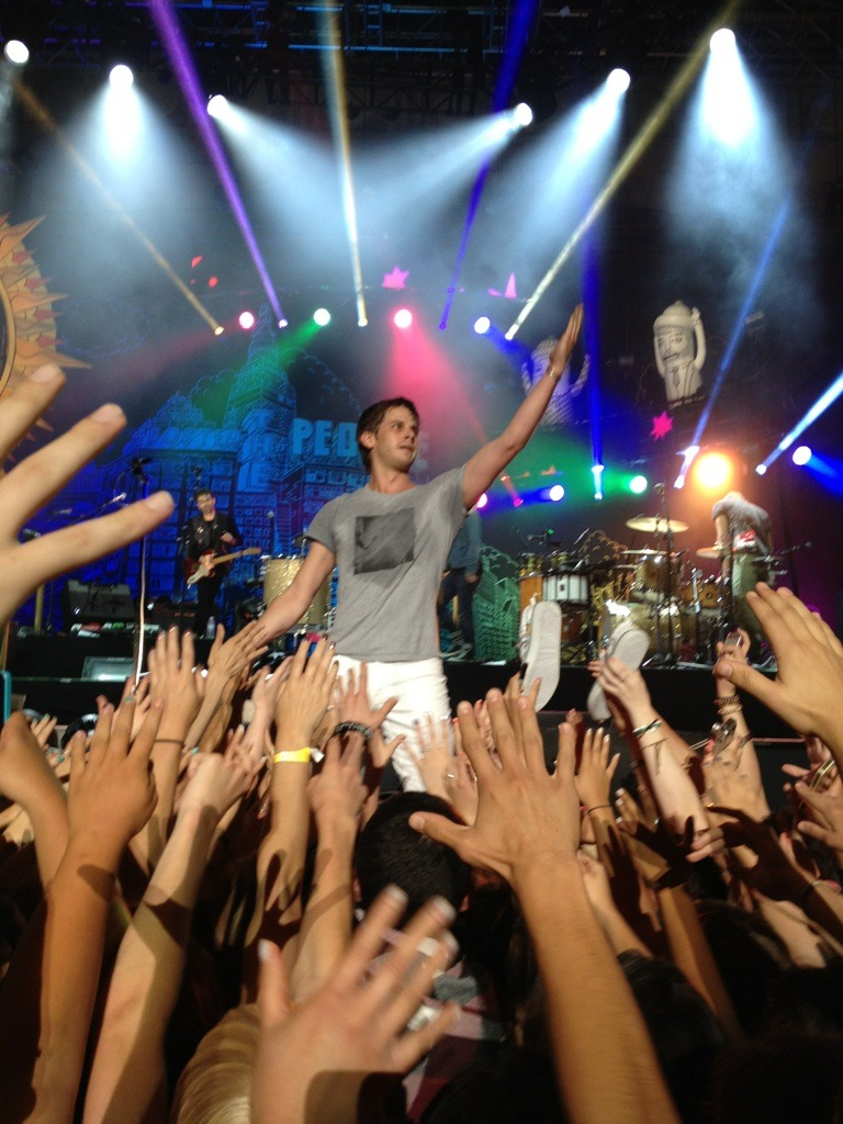 awkwardino:  Foster the People at Berkeley.  June 29, 2012.