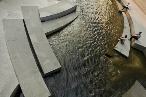 landscapearchitecture:  ChonGae Sunken Stone Garden - a stream uncovered in the heart of the city (via Landscape Architecture / ChonGae Sunken Stone Garden - a stream uncovered in the heart of the city)