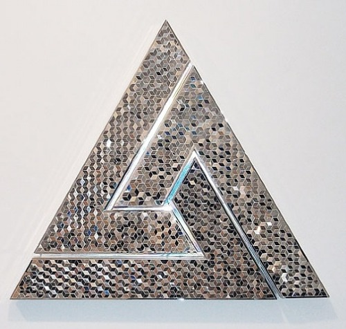bluebirdsfloat:  Monir Shahroudy Farmanfarmaian - Triangle, 2008