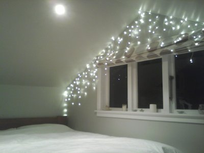 linphea:  fairy lights are the cutest