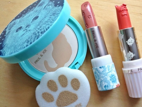 this is sooo cute! #makeup    #lipstick    #Dogs     #cats     #cuuteness!