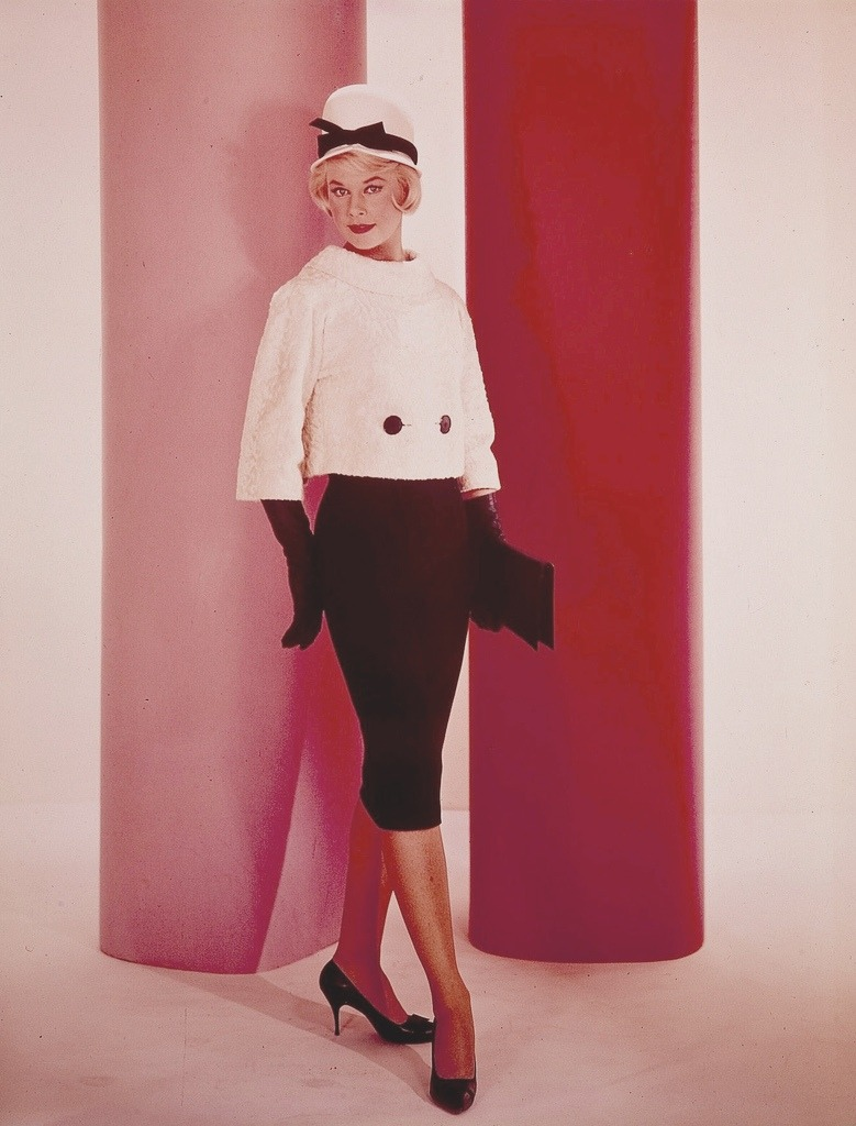 theswinginsixties:  Doris Day promotional photo for 'Lover Come Back', 1961.  Major crush on Doris Day since I saw her in 1953 in Calamity Jane. Have a bunch of her stuff from the 50s on a couple of my playlists. She had a lot of hits.
