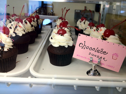 missjoanscupcakes:  Chocolate Sundae! Fourth Special of the day! Come on in! We're open!