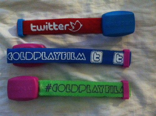 godsofmischief:  COLDPLAY WRISTBANDS GIVEAWAY These xylobands are given away at the entrance to Coldplay's recent concerts - the result is a LED light show that the audience is a part of. Just search the xyloband(s) tag for an example. As of right now the bands do not light up, but they can be made to. If you win and you want me to activate the band for you, just let me know. I have four xylobands to give away, which means four winners. Rules are: You don't have to be following me to win. I realize I'm not strictly a Coldplay blog. The color wristband you receive will be random.  No more than five reblogs a day. Likes do not count. Giveaway ends July 18