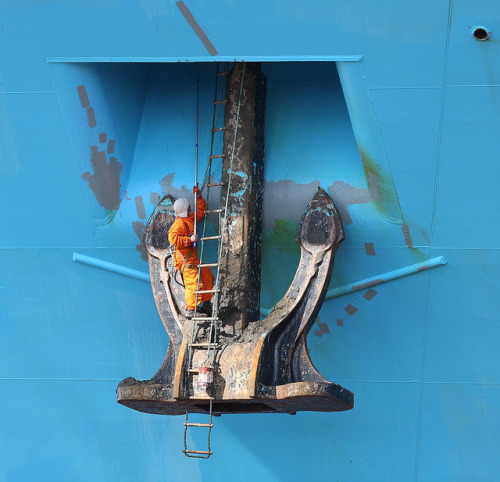 Maintenance by Mickoo737 on Flickr.Anchor housing maintenance on the Maersk Kokura container ship.