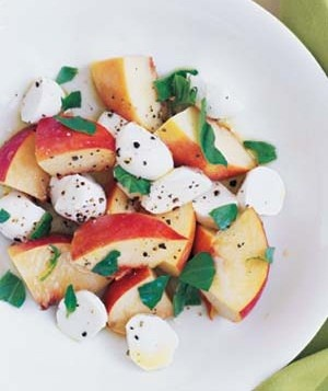 beautifulpicturesofhealthyfood:  Peach, Mozzarella, and Basil Salad…RECIPE