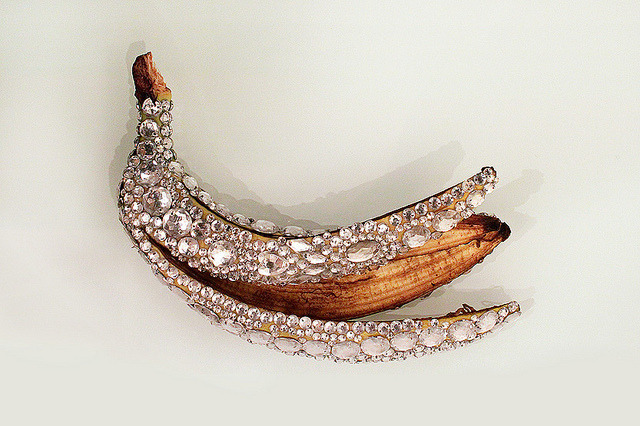 ifyoucarryonthisway:  catholicnun:  very chanel banana  no its a representation of how beauty is only skin deep you obviously dont understand the deeper meaning behind this photo of a bedazzled banana