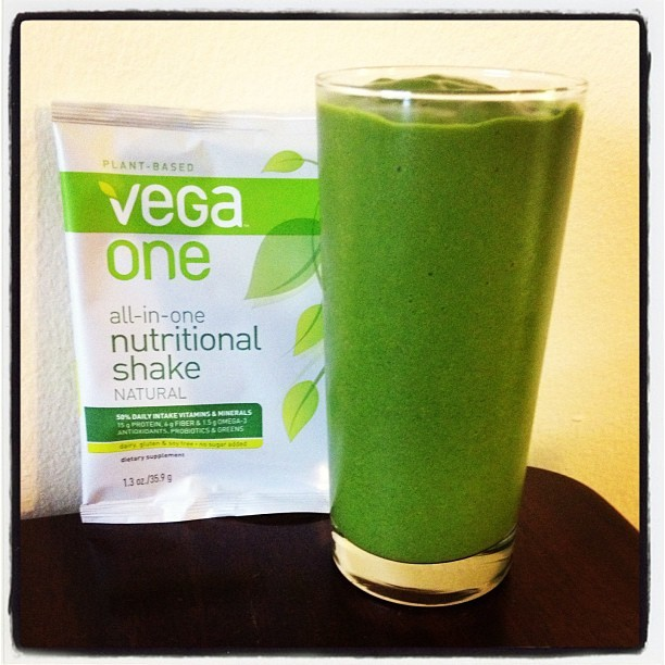 Saturday Smoothie: @vegateam One Natural, Kale, Mango & @goodbellydrink Grapefruit #vegan #vitamix #vegaone (Taken with Instagram)
