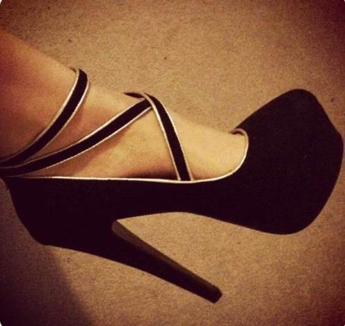 i love this shoes..wish i were a girl..