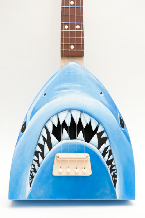 (via Jaws ukulele get out of the waterlele by celentanowoodworks)