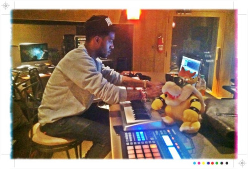 cudlife:  Workin on indicud. Producing 80% of the album.  Hope yall like the new jams.  Comin soon!