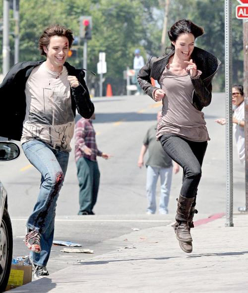 Lena and Thomas having fun on the set of episode 2.01 'Samson and Delilah' I LOVE this batch of candids. If you want to see more, just like the post or ask :)