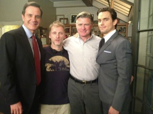 @jeffeastin Quality time on ‪#WhiteCollar‬ set with @TimDeKay, Treat Williams & Magic Matt Bomer. I'm the tall guy in the middle pic.twitter.com/xS2n2hhE