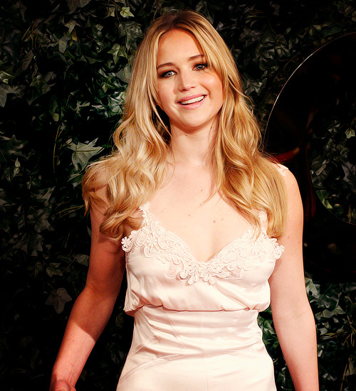 96/100 pictures of › Jennifer Lawrence {x}