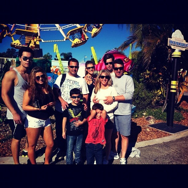 My family ❤ #instagram #photography #photo #rides #goldcoast #dreamworld #tan #feelslikesummer #love #family #fun #boyfriend #you #him #sexy  (Taken with Instagram)