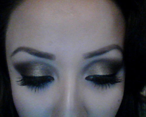 youngyessica.tumblr.com Smokey eye for tonight (; Used my new MAC brushes <3 Phenomenal! Excuse my BIG ol' forehead lol