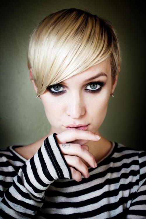 Oh haaay Ashlee Simpson…wanna bang?