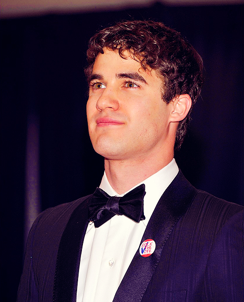 100 pictures of darren criss (91/100)