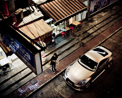 Aerial shot of a Nissan Fairlady Z spotted somewhere in the streets of Hong Kong (photo by: R-W-P)