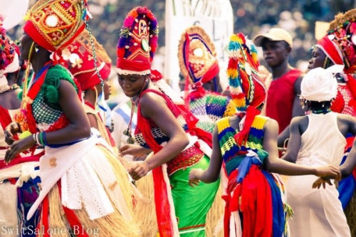 Sierra Leonean female dancers