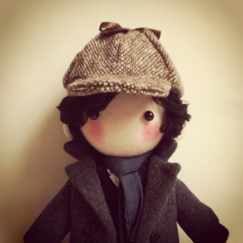 pepeluiv:  made a deerstalker for Sherlock