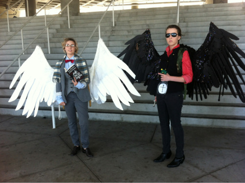 roosterhat:  Hensocks and Savedchicken as Arizaphale and Crowley! The SuperWhoLock meet up was great. Met so many nice people, including a very cool Sam!Lucifer. One more day to go!