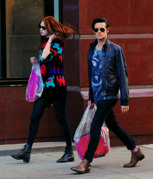 hotchaolic:  21/50 Karen Gillan + Matt Smith