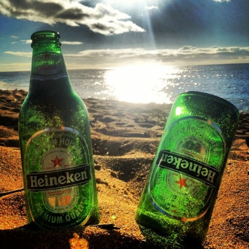 yeahimpoly:  Green Bottles. #hawaii #northshore #greenbottles (Taken with Instagram at Haleʻiwa Aliʻi Beach Park)