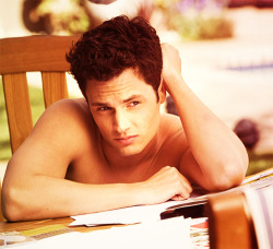 letme-be-your-onenonly:  Penn Badgley <3