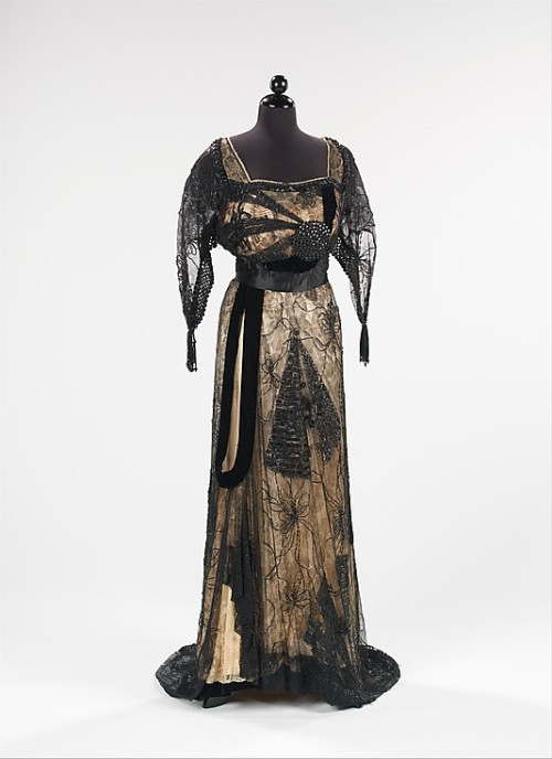 omgthatdress:  Dress Callot Soeurs, 1913 The Metropolitan Museum of Art