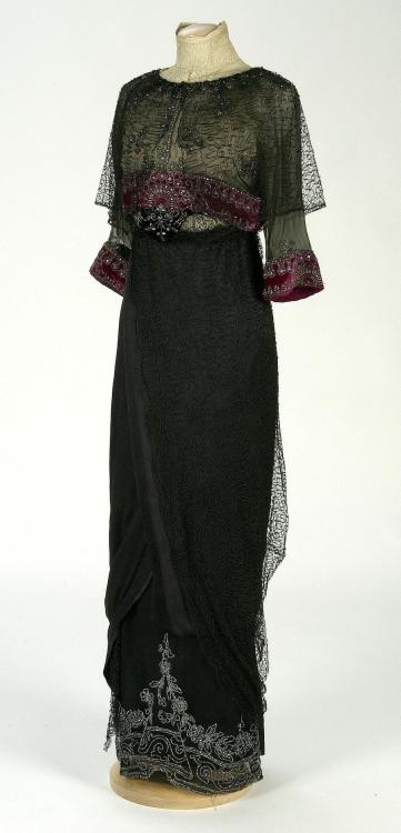 omgthatdress:  Dress 1910-1912 IMATEX