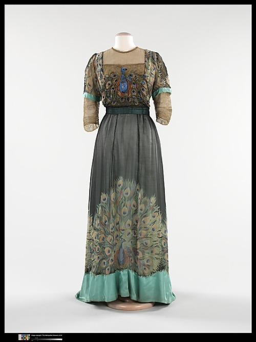omgthatdress:  Evening Dress Weeks, 1910 The Metropolitan Museum of Art