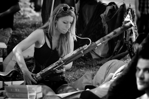Braderie Lille 2011 #2 Musicienne by Jonathan Couvent photographe on Flickr.