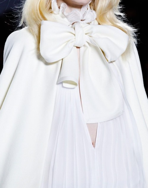 wink-smile-pout:  Chloe Fall 2011