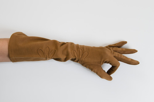 charlesvintage:  new in the charlesvintage shop: brown cotton lady gloves