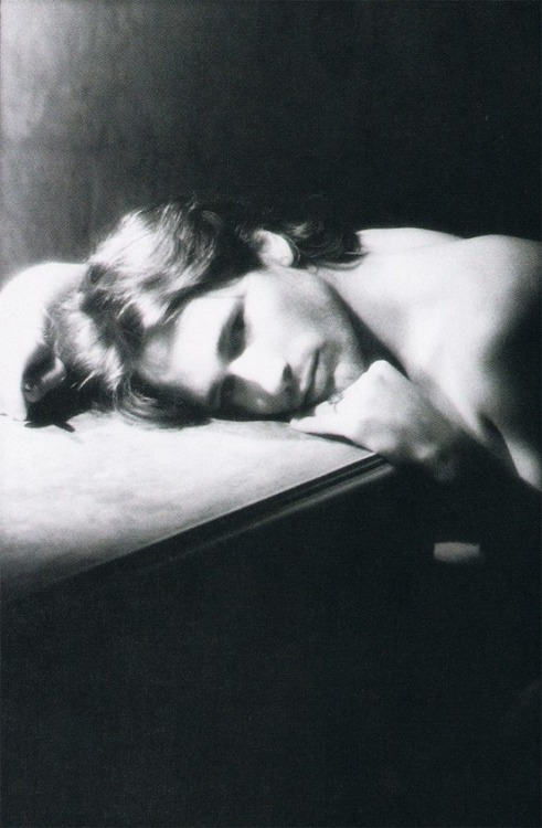 sieben-teufel:  Jeff Buckley. One of the most talented and beautiful people to ever grace this earth. Photo by Merri Cyr